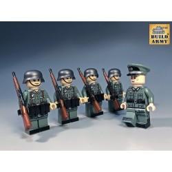 Officier Allemand avec 4...